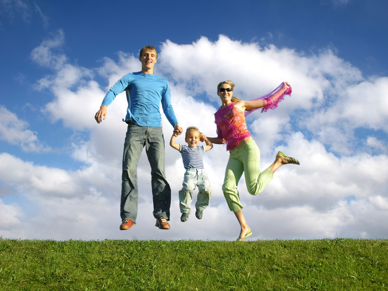 happy family jumping1
